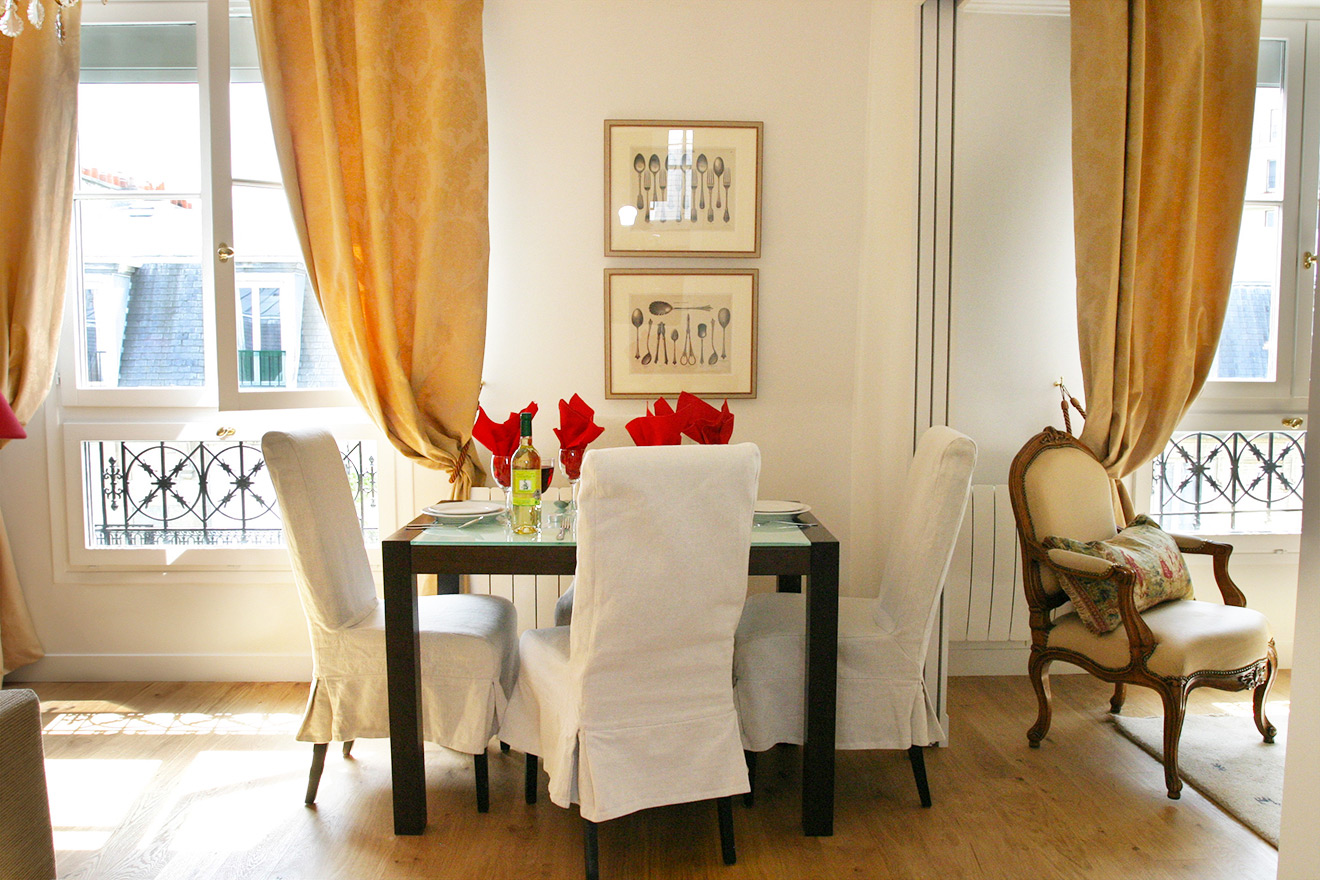 Dining Table - Quincy Paris Holiday Rental