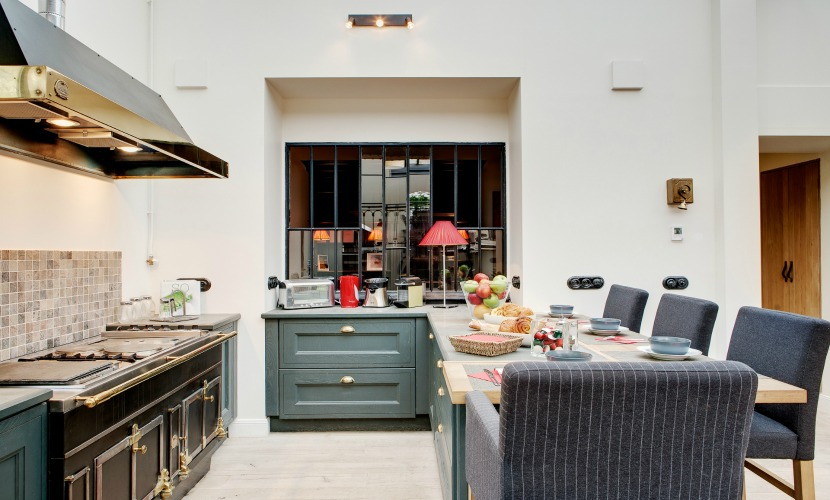 Fully Equipped Paris Rental Kitchen