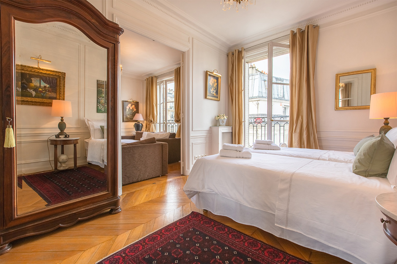 Adjoining bedroom in Paris apartment