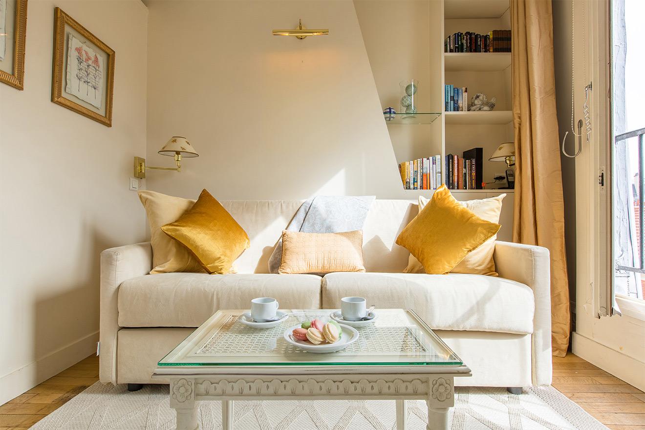 Kir Paris apartment