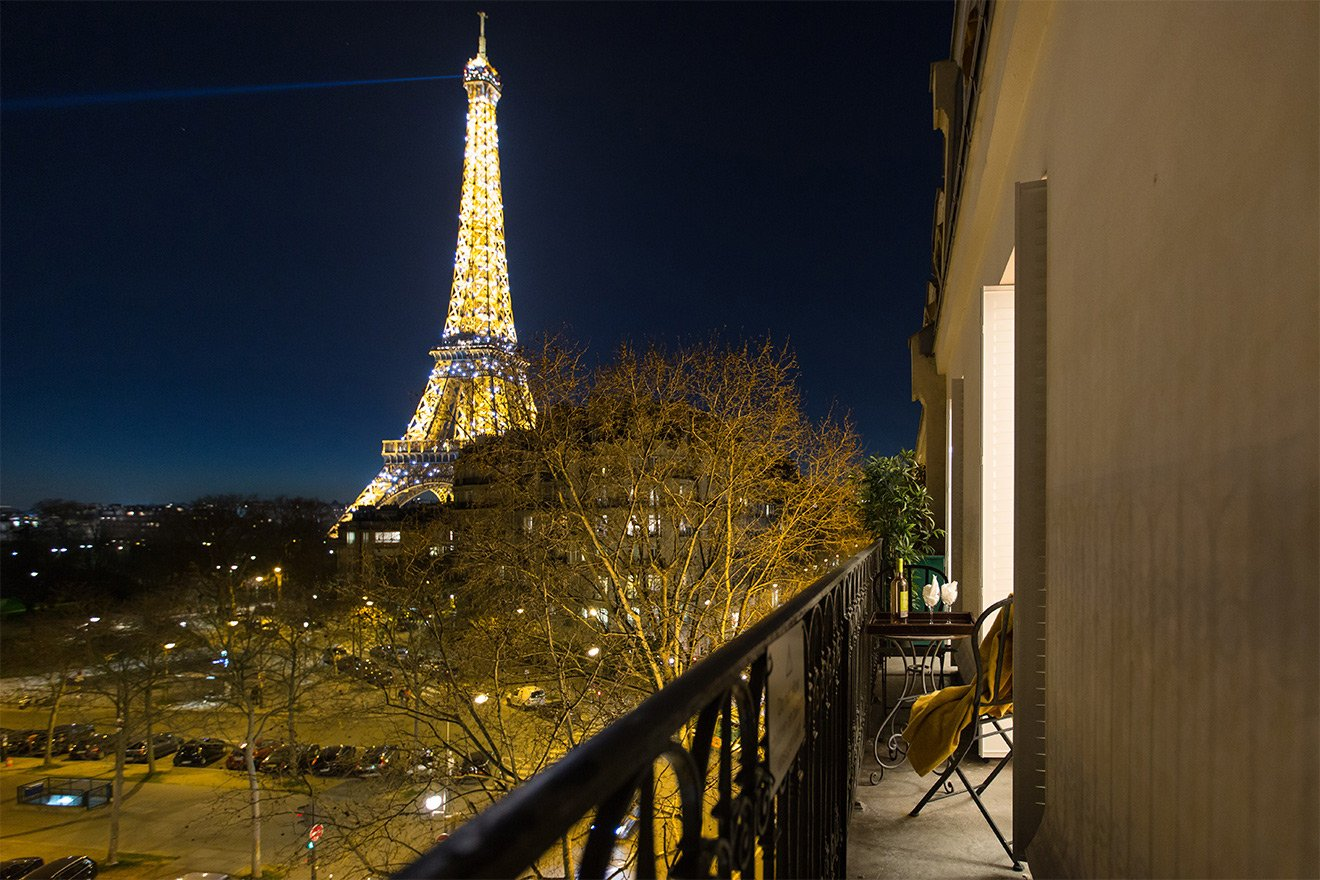 Merlot Eiffel Tower view