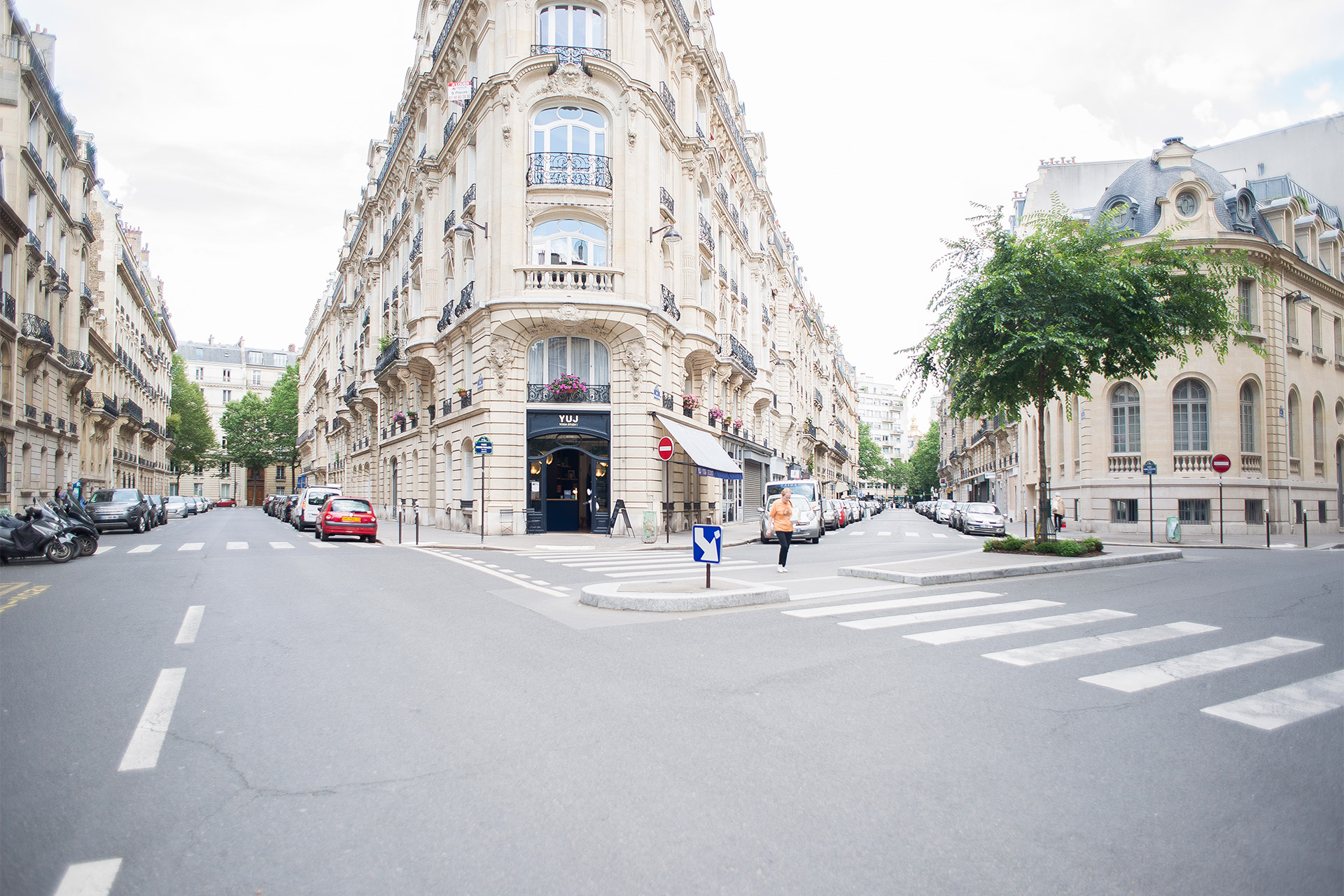 Explore one of our favorite neighborhoods the 7th arrondissement