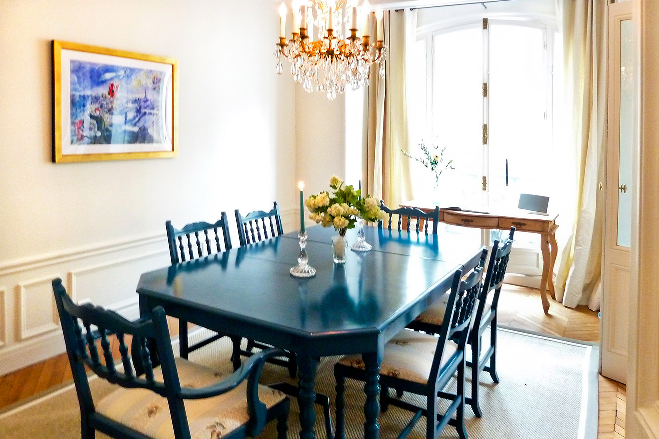 Dining Table Gamay Paris Apartment