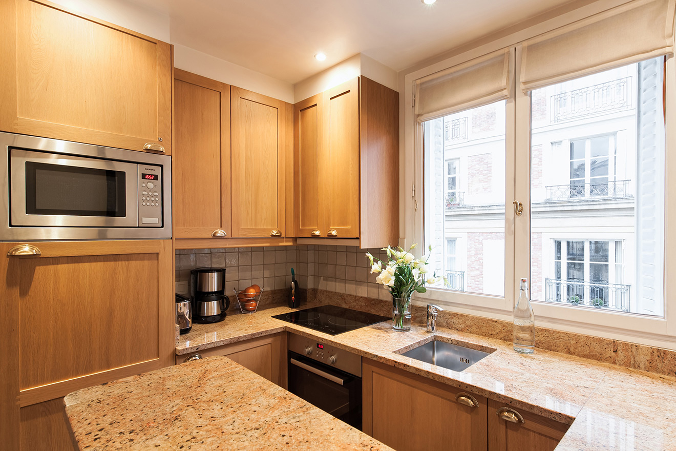 Fully Equipped Paris Short Term Rental Kitchen