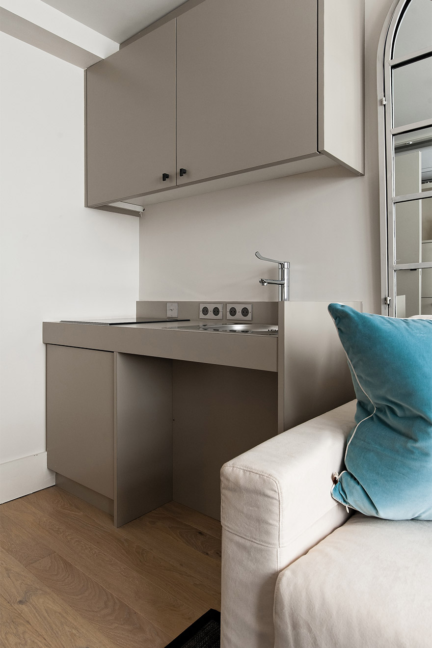 Small kitchenette in the Anjou vacation rental offered by Paris Perfect