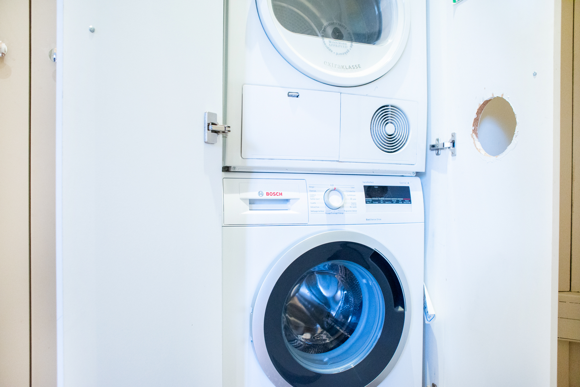 Washer and dryer in the Corent apartment by Paris Perfect