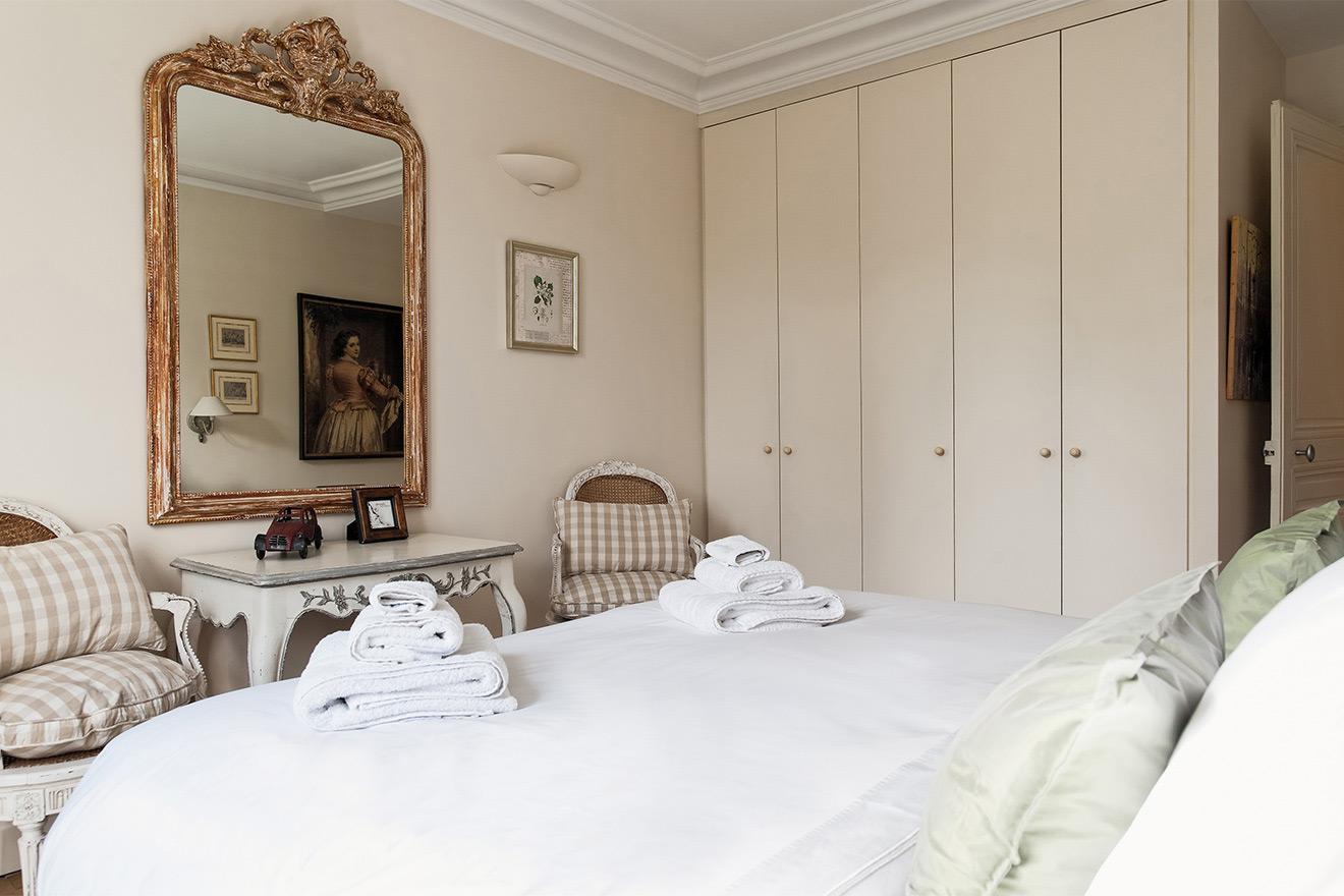Bergerac master bedroom