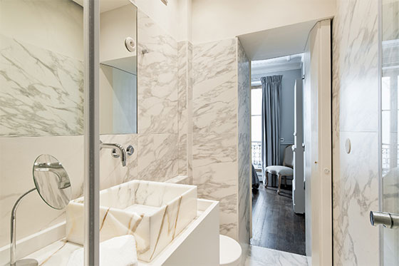 One Bedroom Paris Apartment with Ensuite