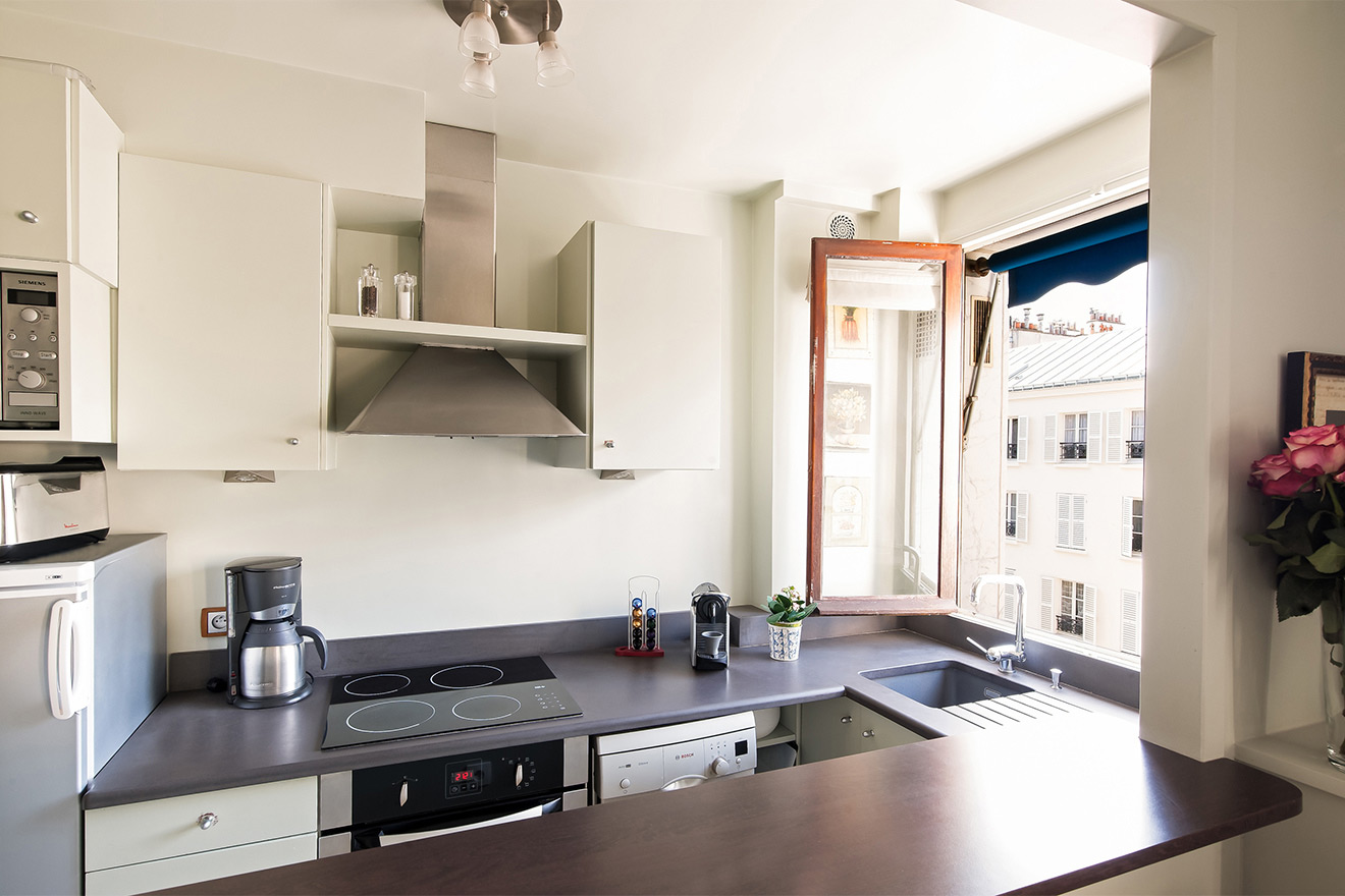 Fully equipped Paris apartment