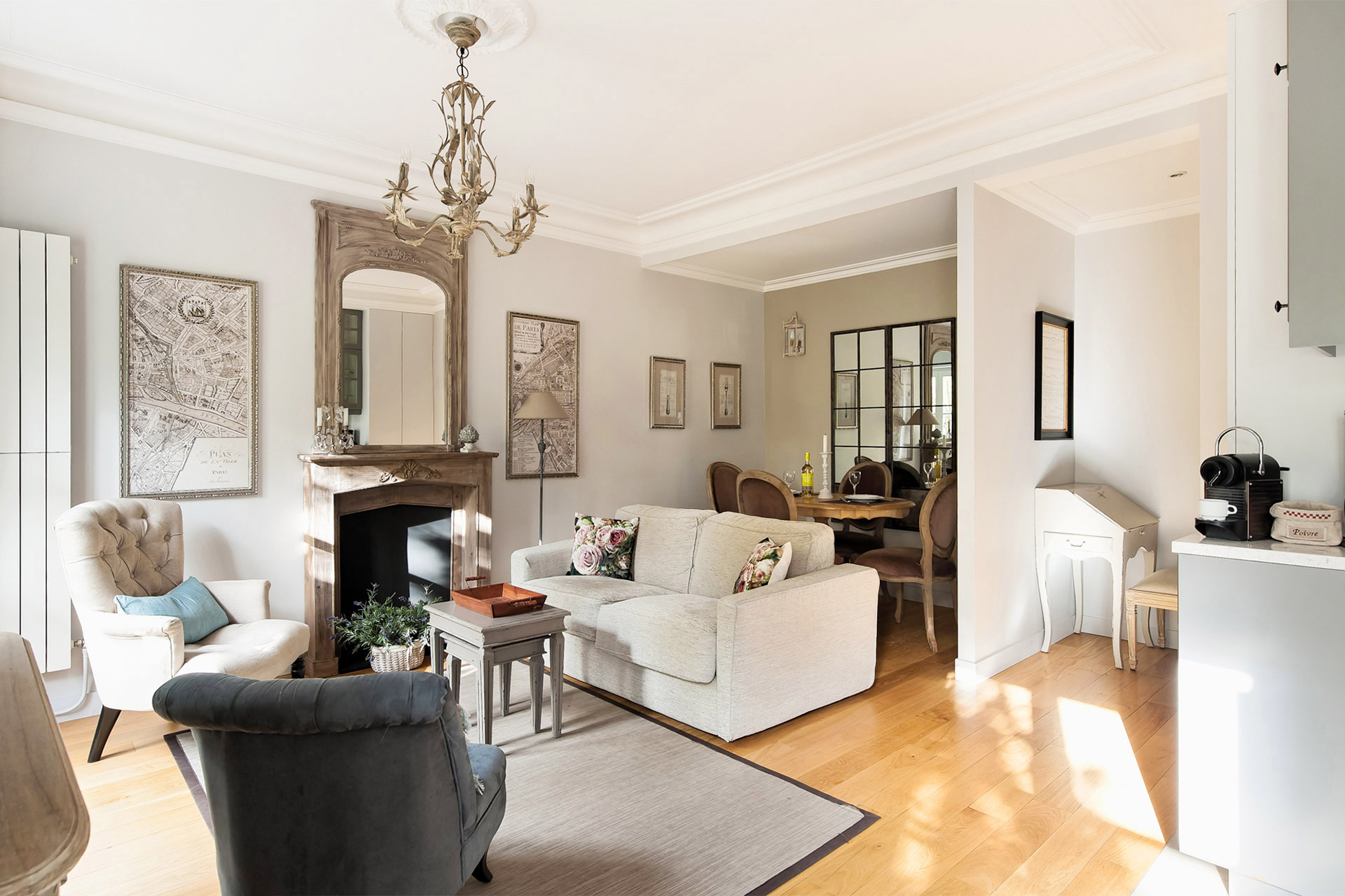 Elegant living room of the Chambertin vacation rental offered by Paris Perfect