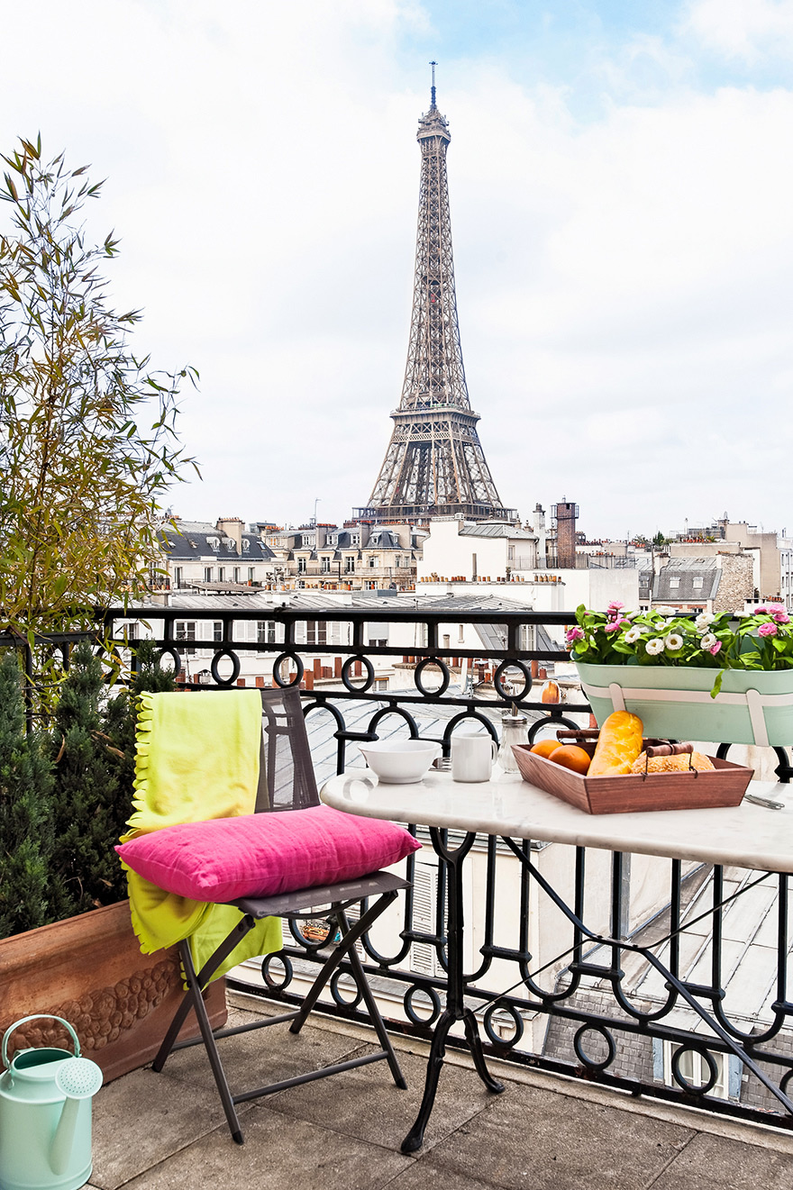 Paris Perfect Apartment with Balcony