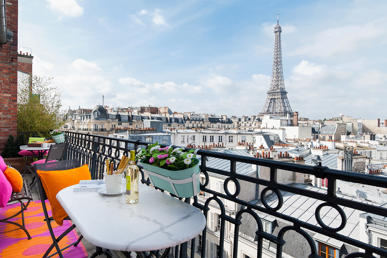 Unforgettable Eiffel Tower views at the Cognac vacation rental offered by Paris Perfect