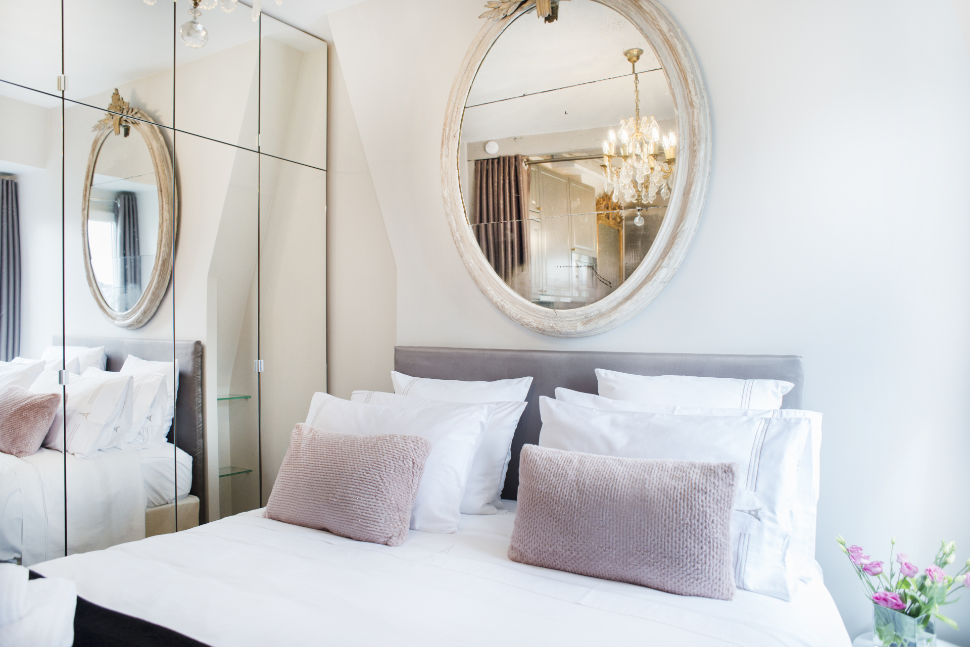Gorgeous sleeping area with comfy extra wide queen bed in the Cremant vacation rental