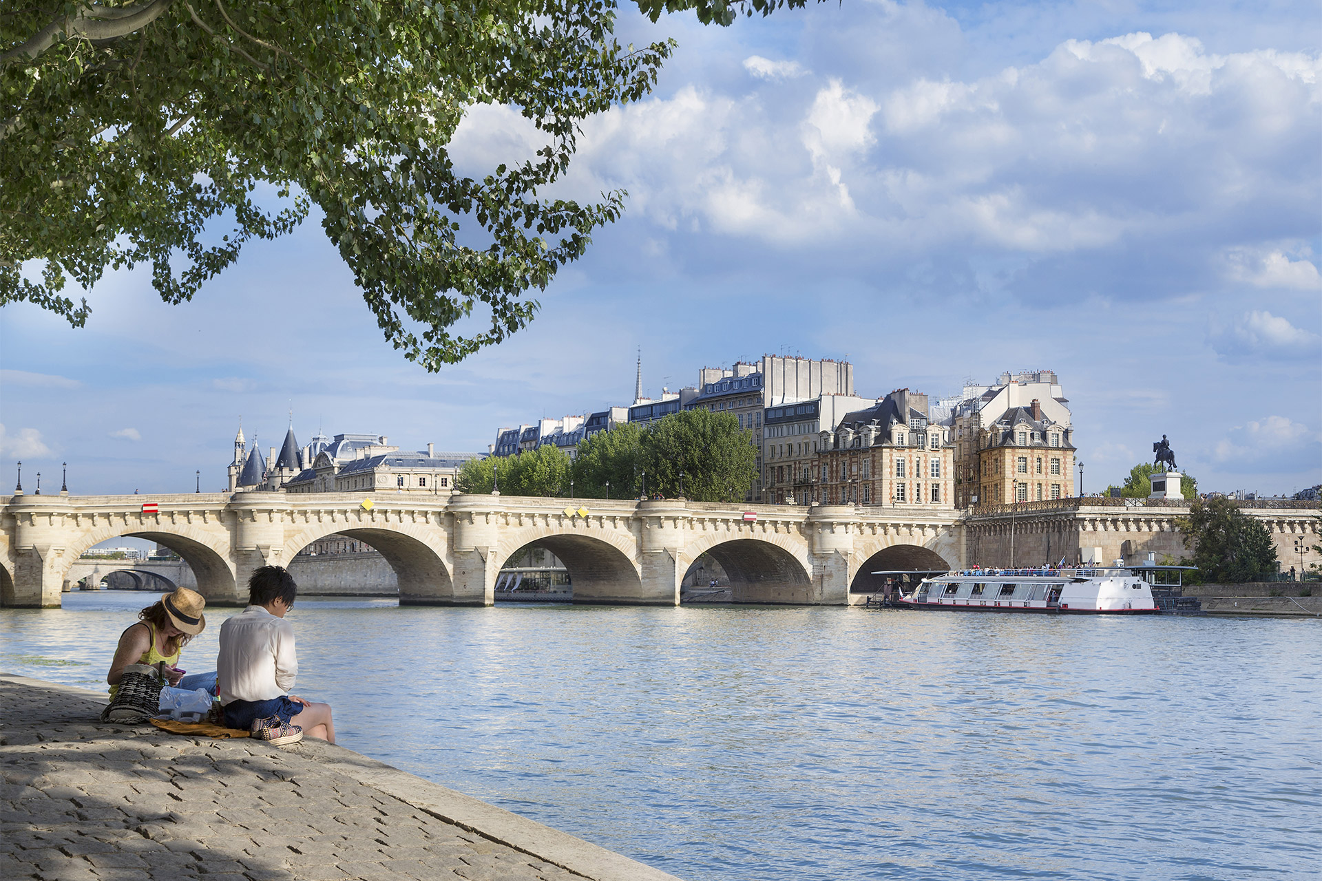 Romantic picnics along the Seine are a must