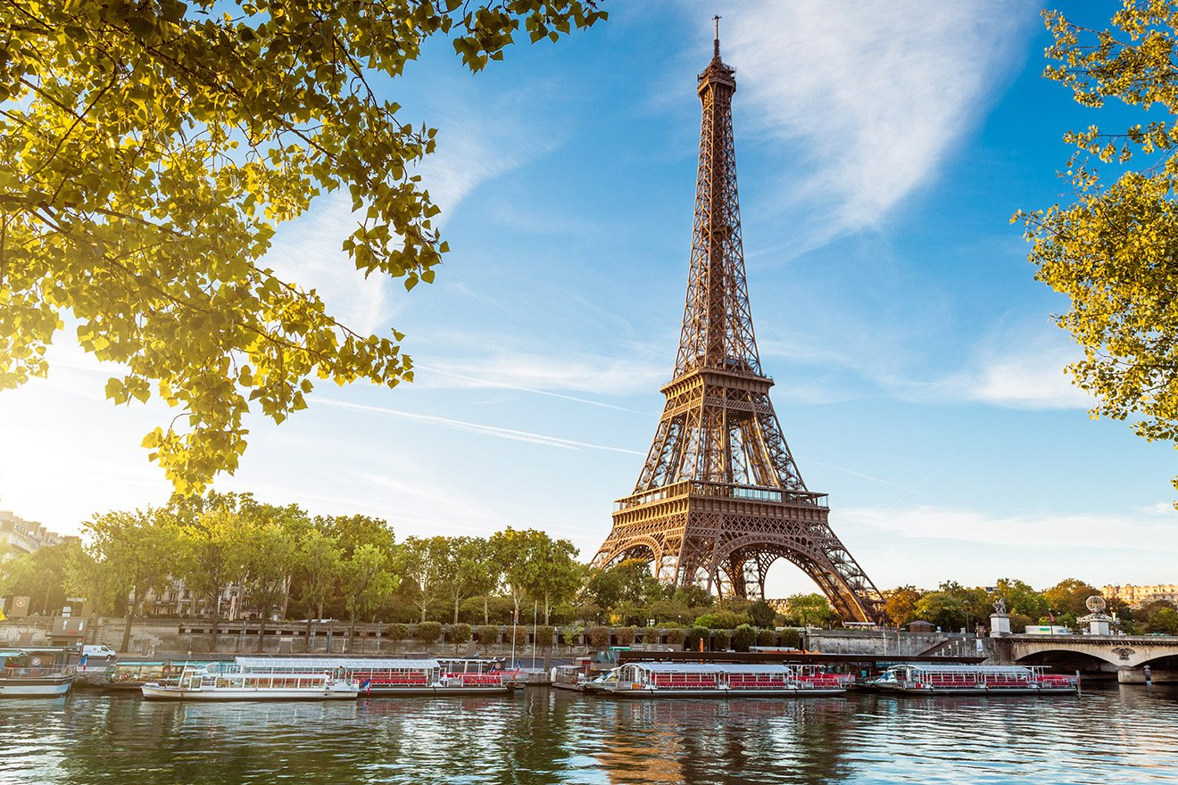 Take a Seine River cruise to see the sites in style