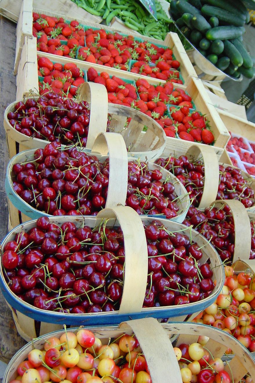 Fresh Fruit and Vegetables Paris Markets