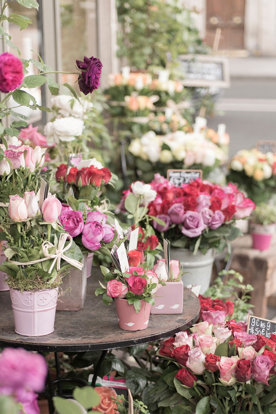 Pick out fresh flowers for your apartment