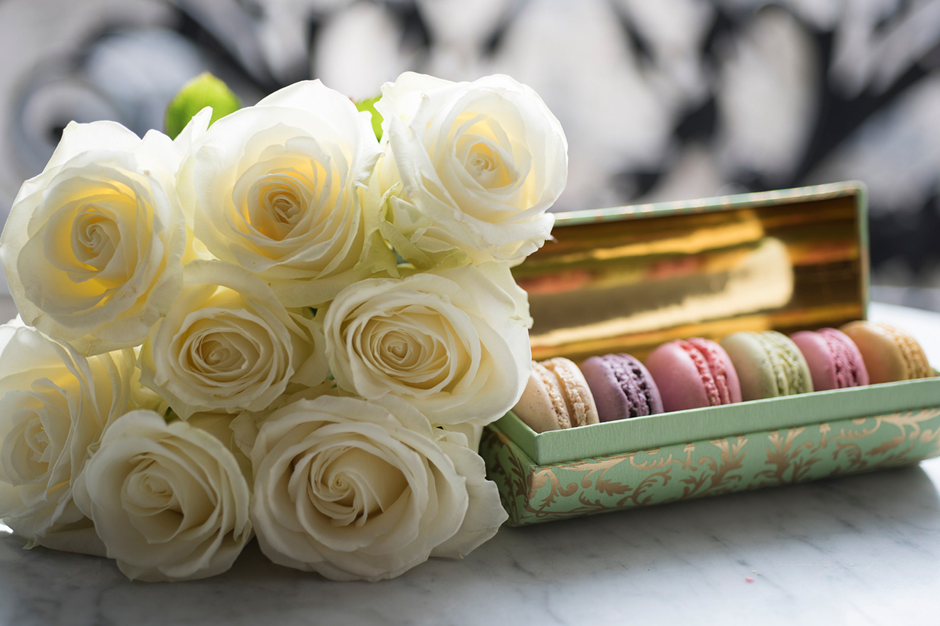 Roses and Macarons