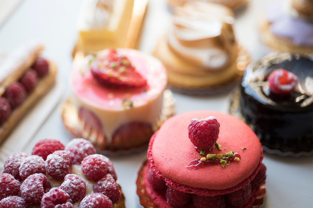 Sample delicious patisseries in Paris
