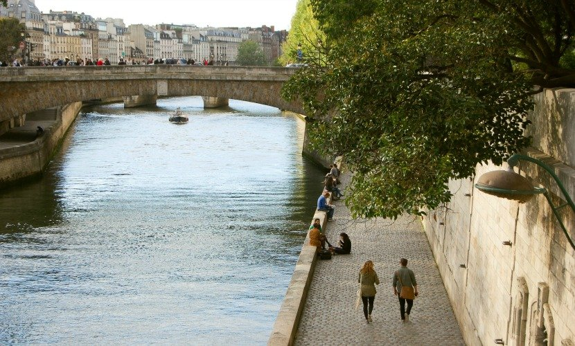 Enjoy romantic strolls or picnics along the Seine