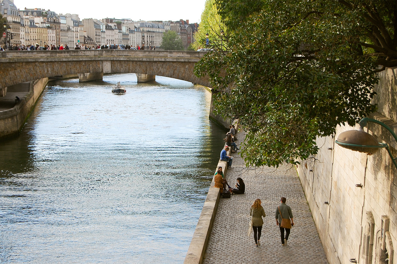 Paris rental is just a five-minute walk from the Seine River