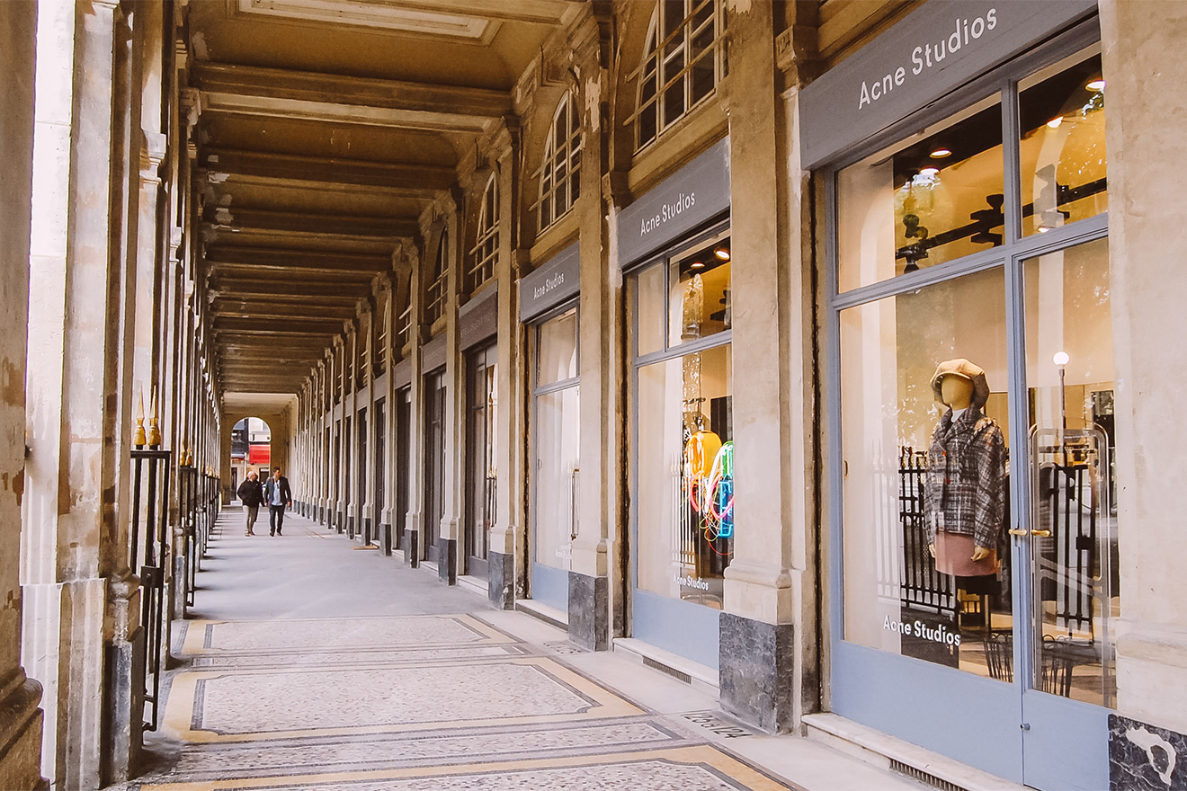 Palais Royal shopping