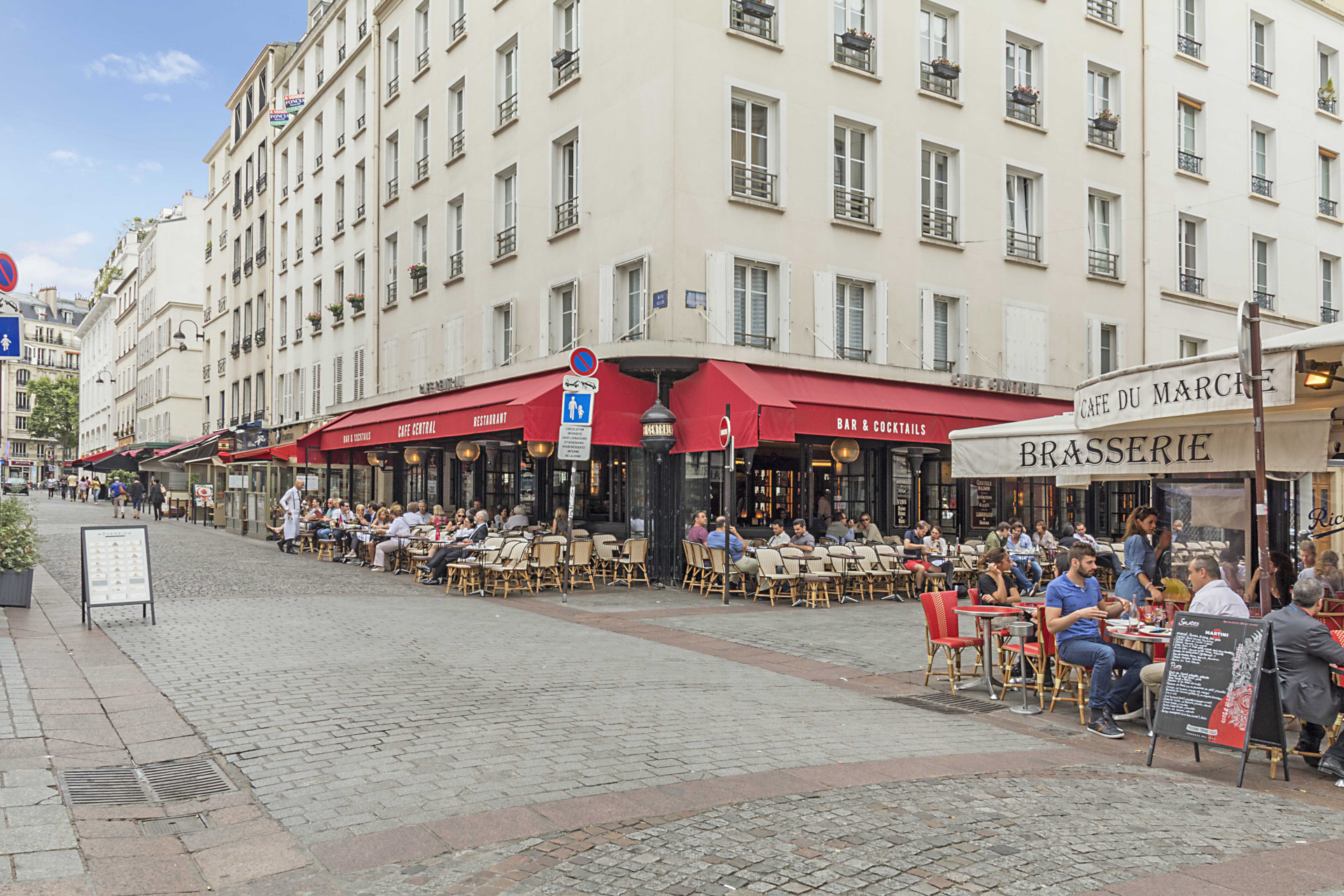 Just a few steps away from rue Cler in the Roannaise vacation rental by Paris Perfect