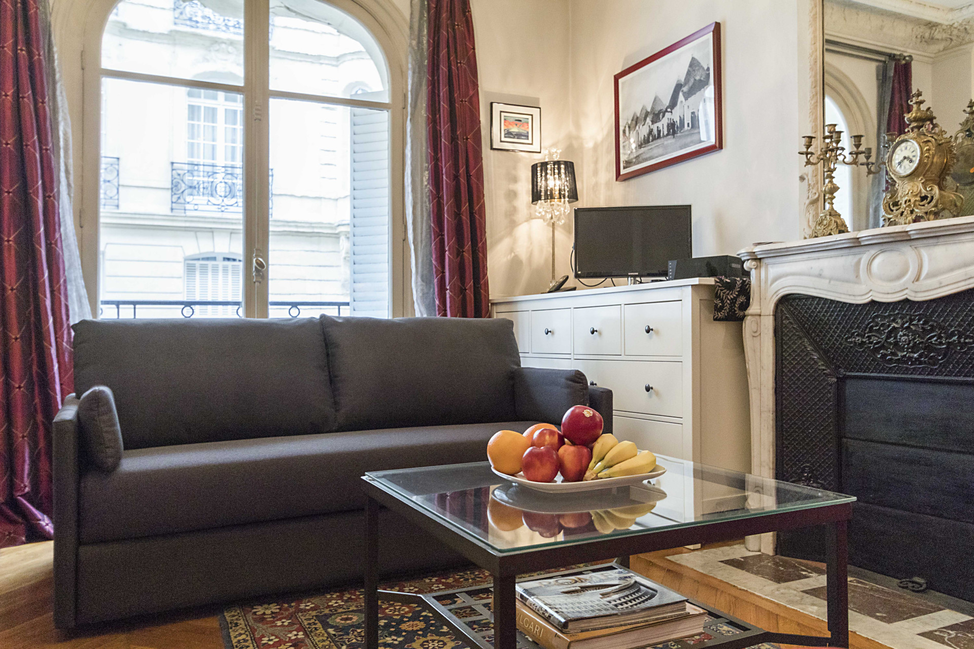 Wonderful living room area in the Roannaise vacation rental by Paris Perfect