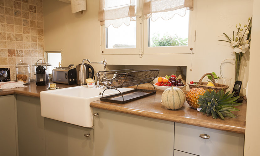 Fully Equipped Paris Vacaction Rental Kitchen