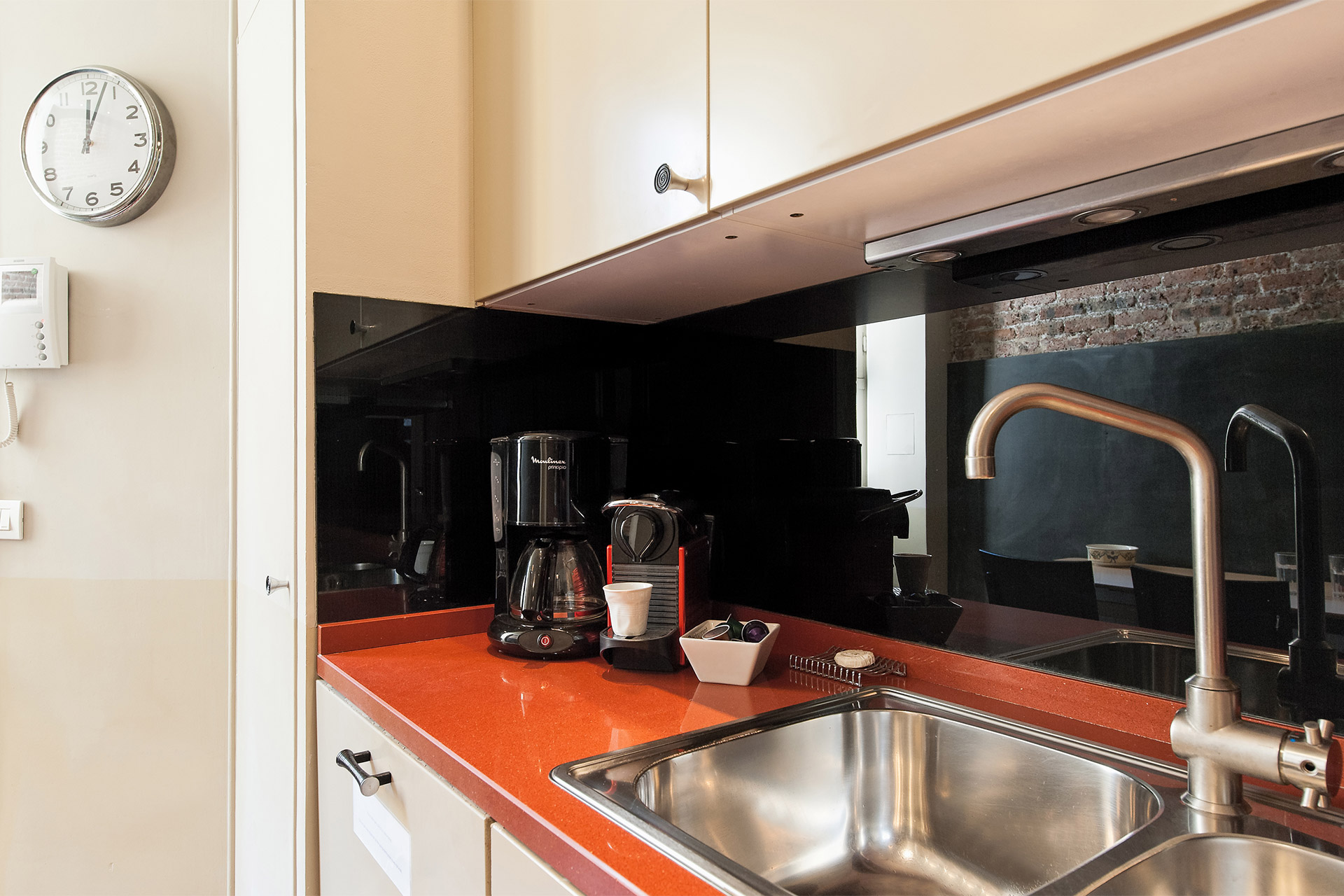Dishwasher and Nespresso maker in the Mâcon vacation rental offered by Paris Perfect
