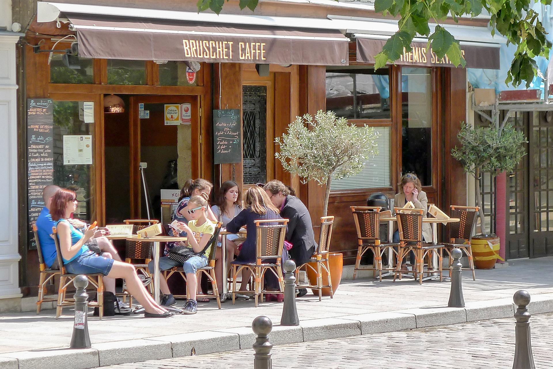 Bruschet Caffe on Place Dauphine