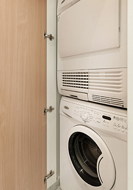 Washer and dryer in the Montagny vacation rental offered by Paris Perfect