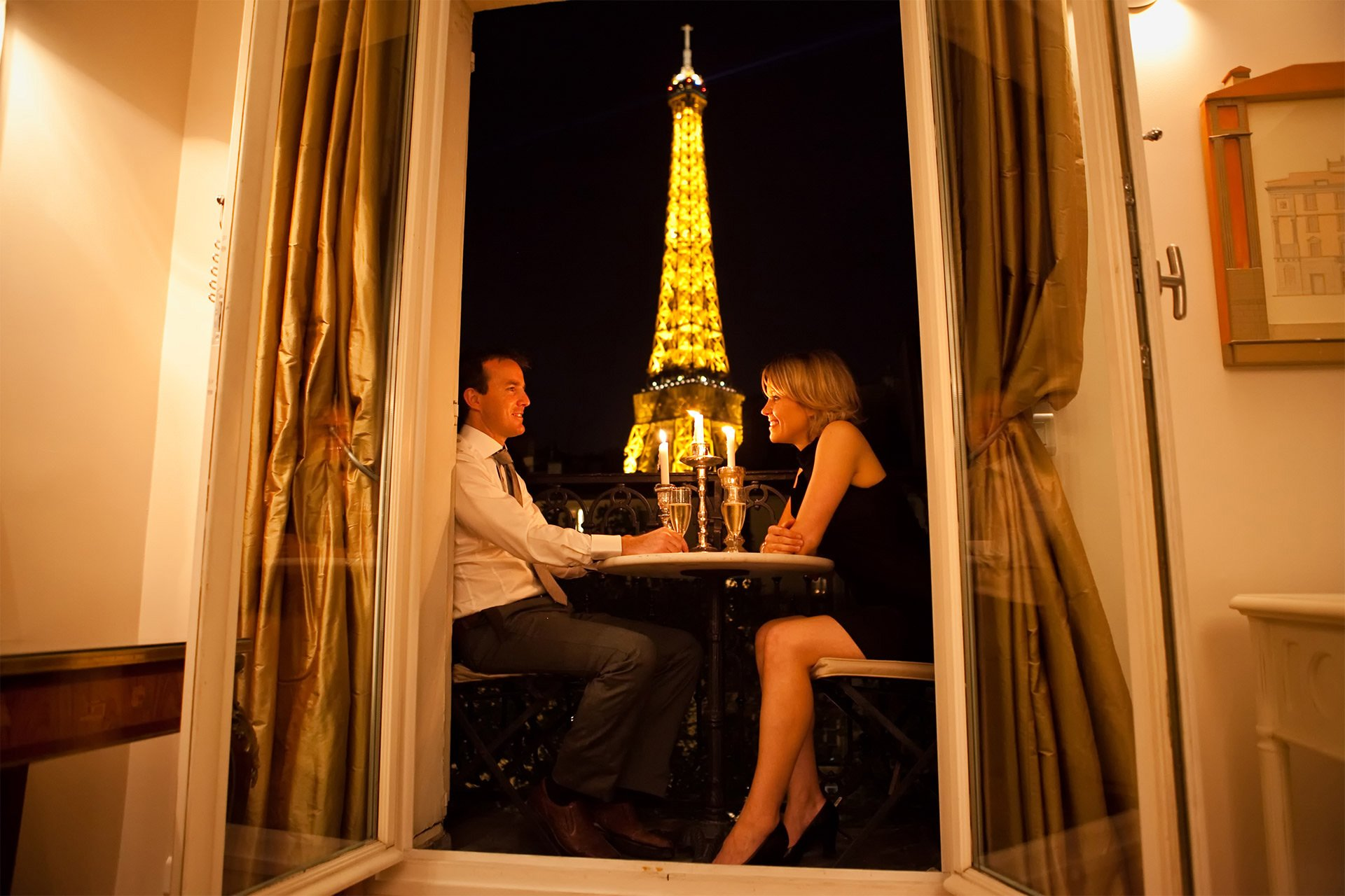 1 bedroom paris accommodation with romantic eiffel tower for Hotels by the eiffel tower