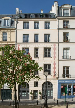25 Place Dauphine Paris Building