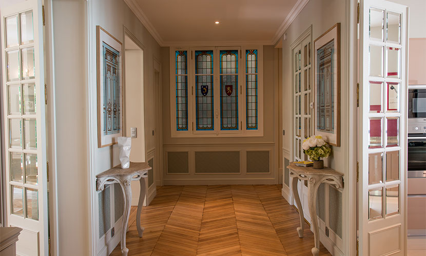 Stunning entryway of the Hermitage Vacation Rental in Paris