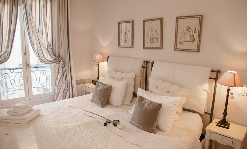 Romantic Bedroom of the Cabernet vacation rental offered by Paris Perfect