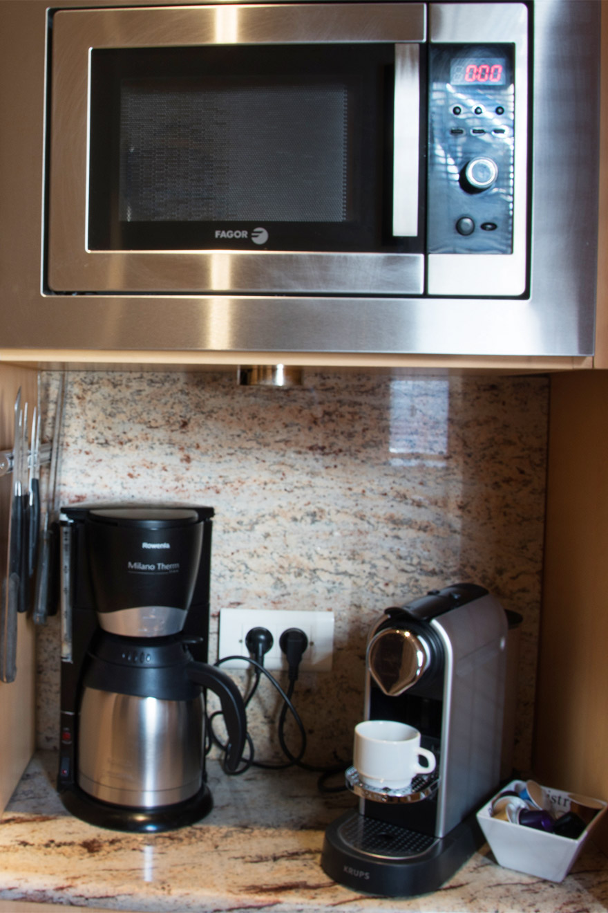 Nespresso Machine in the Cabernet vacation rental offered by Paris Perfect