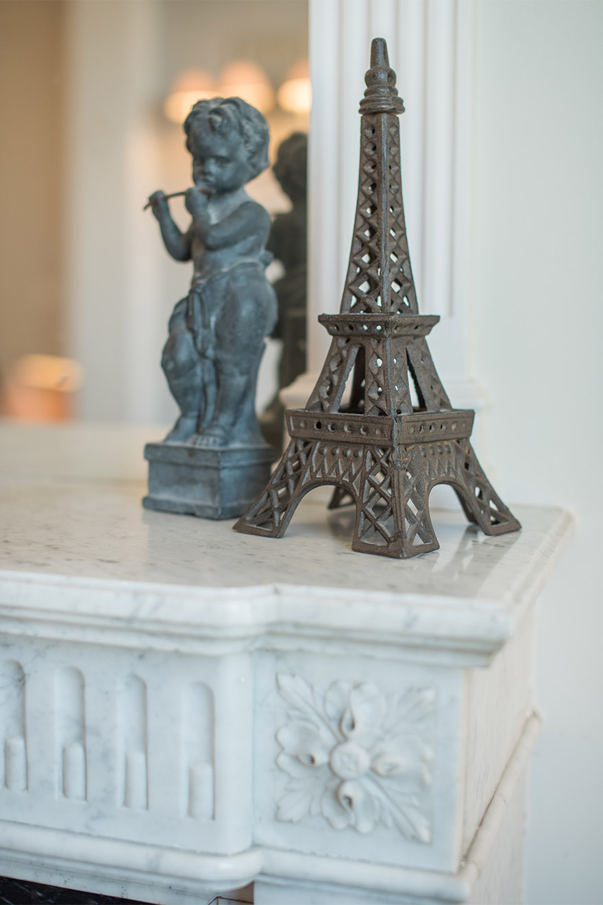 Decorative touches in the Chateau Latour vacation rental by Paris Perfect
