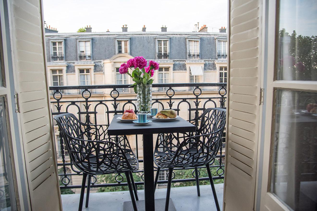 Comtesse balcony
