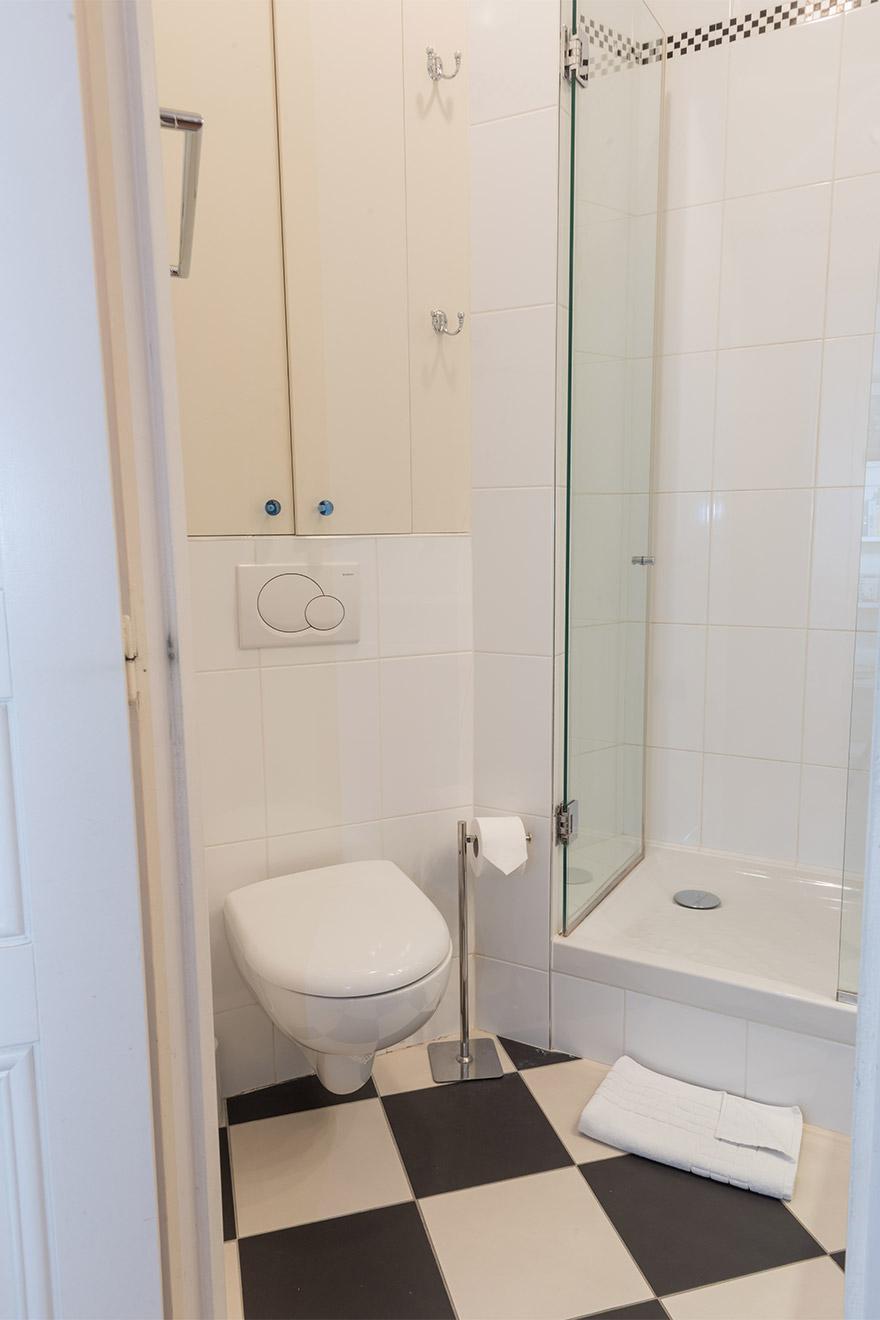 Gamay bathroom