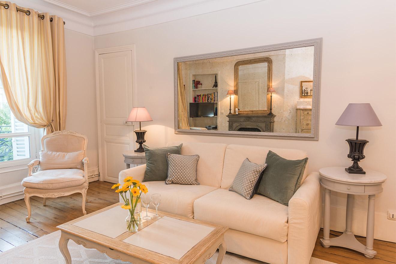 Givry Paris Apartment