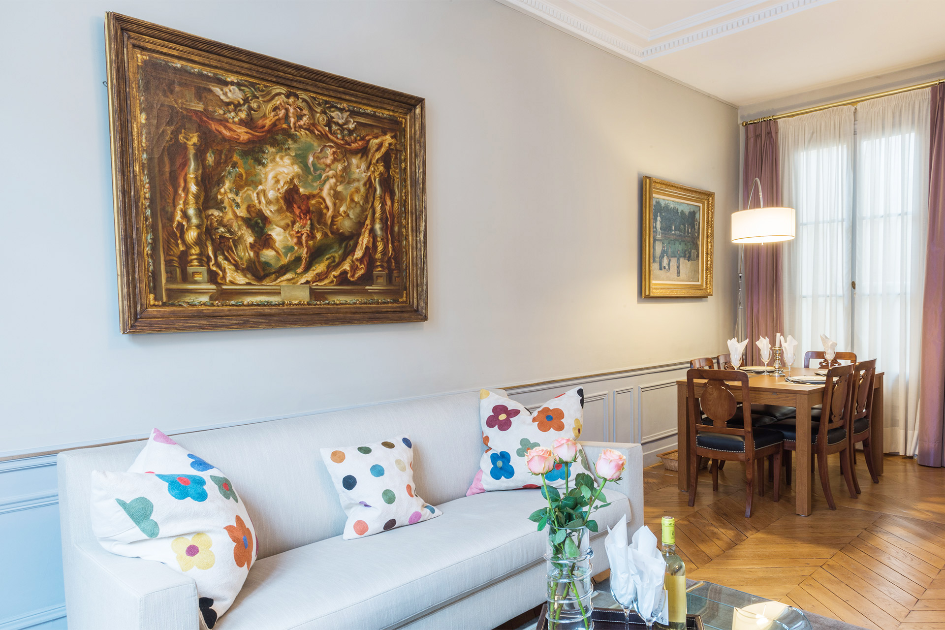 Spacious living and dining area of the Mâcon vacation rental offered by Paris Perfect