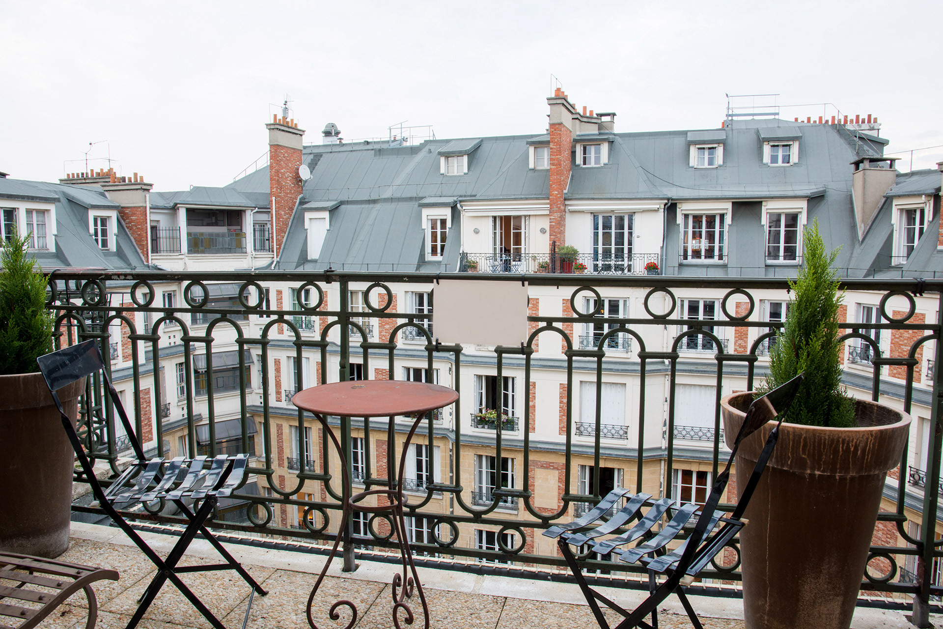 Small terrace off of the third bedroom of the Margaux vacation rental offered by Paris Perfect