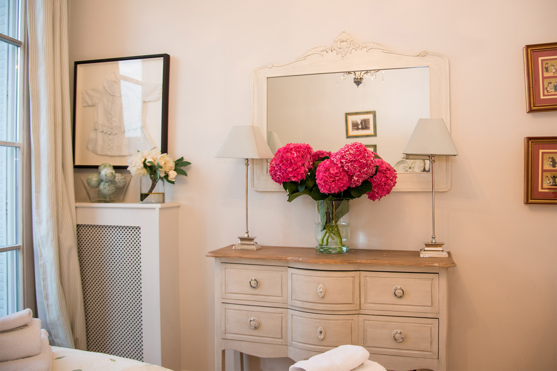 Pretty chest of drawers in the third bedroom of the Margaux vacation rental offered by Paris Perfect