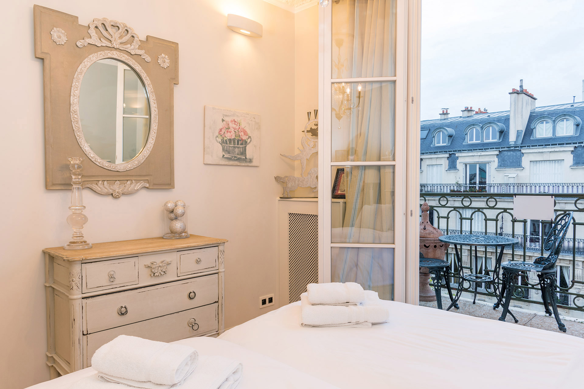 Charming decor in the second bedroom of the Margaux vacation rental offered by Paris Perfect