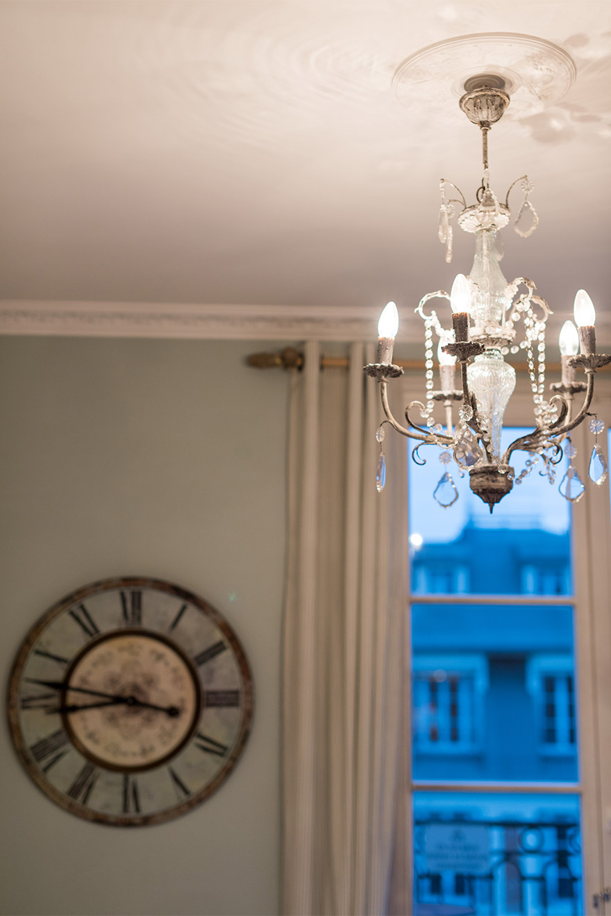 Beautiful chandelier in the Margaux vacation rental offered by Paris Perfect