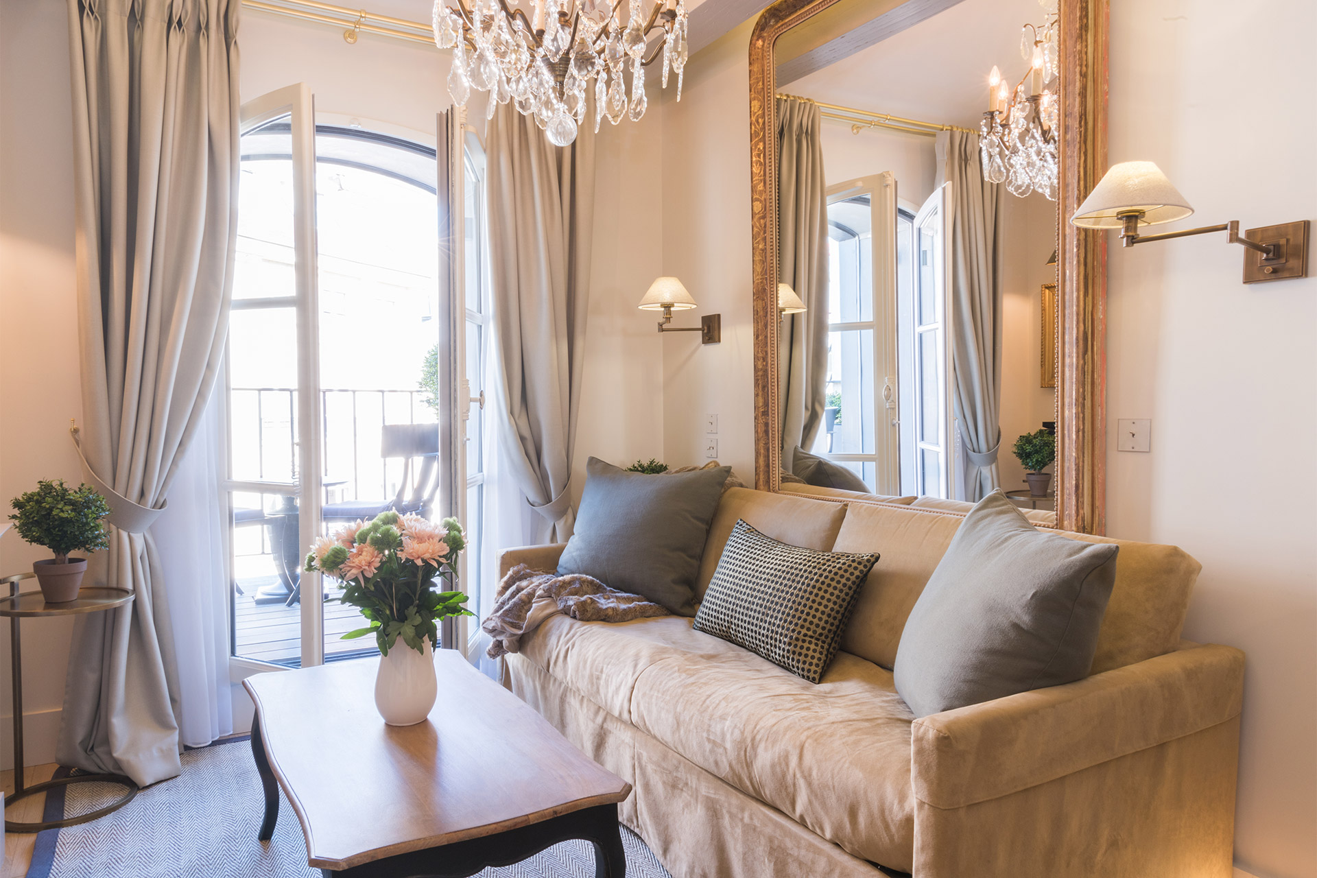 Inviting sofa in the living room of the Monbazillac vacation rental offered by Paris Perfect