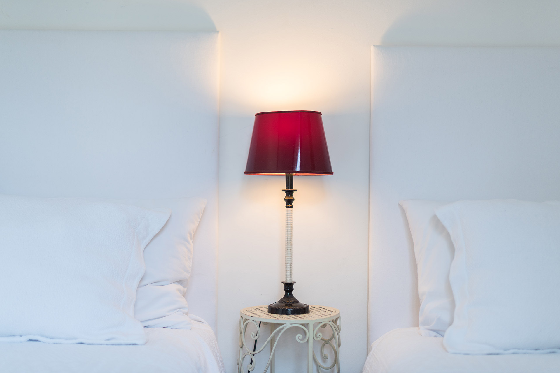 Sweet lamp between the beds in the Jacquere vacation rental offered by Paris Perfect