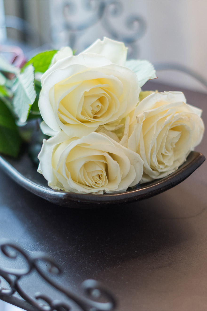 Set a romantic mood with roses in the Jacquere vacation rental offered by Paris Perfect