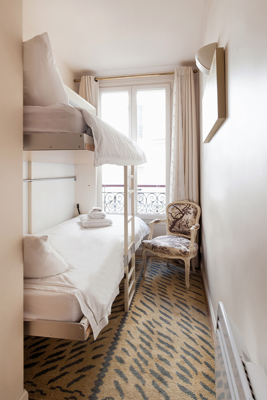 Second bedroom's bunk beds in the Saint Amour vacation rental offered by Paris Perfect